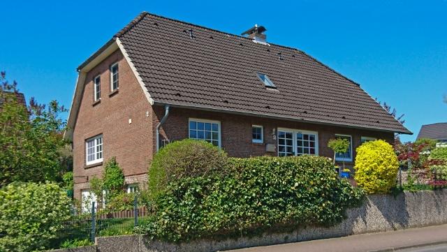 Großzügiges Einfamilienhaus mit integrierter Garage in Oldendorf