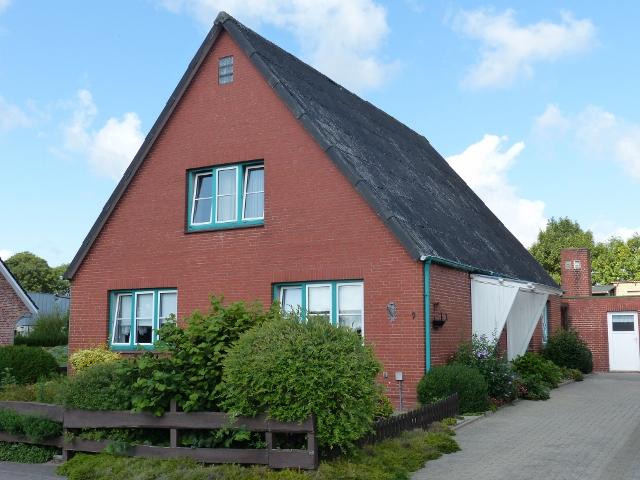 Wohnhaus an der Eider mit Nebengebäuden in Tielen