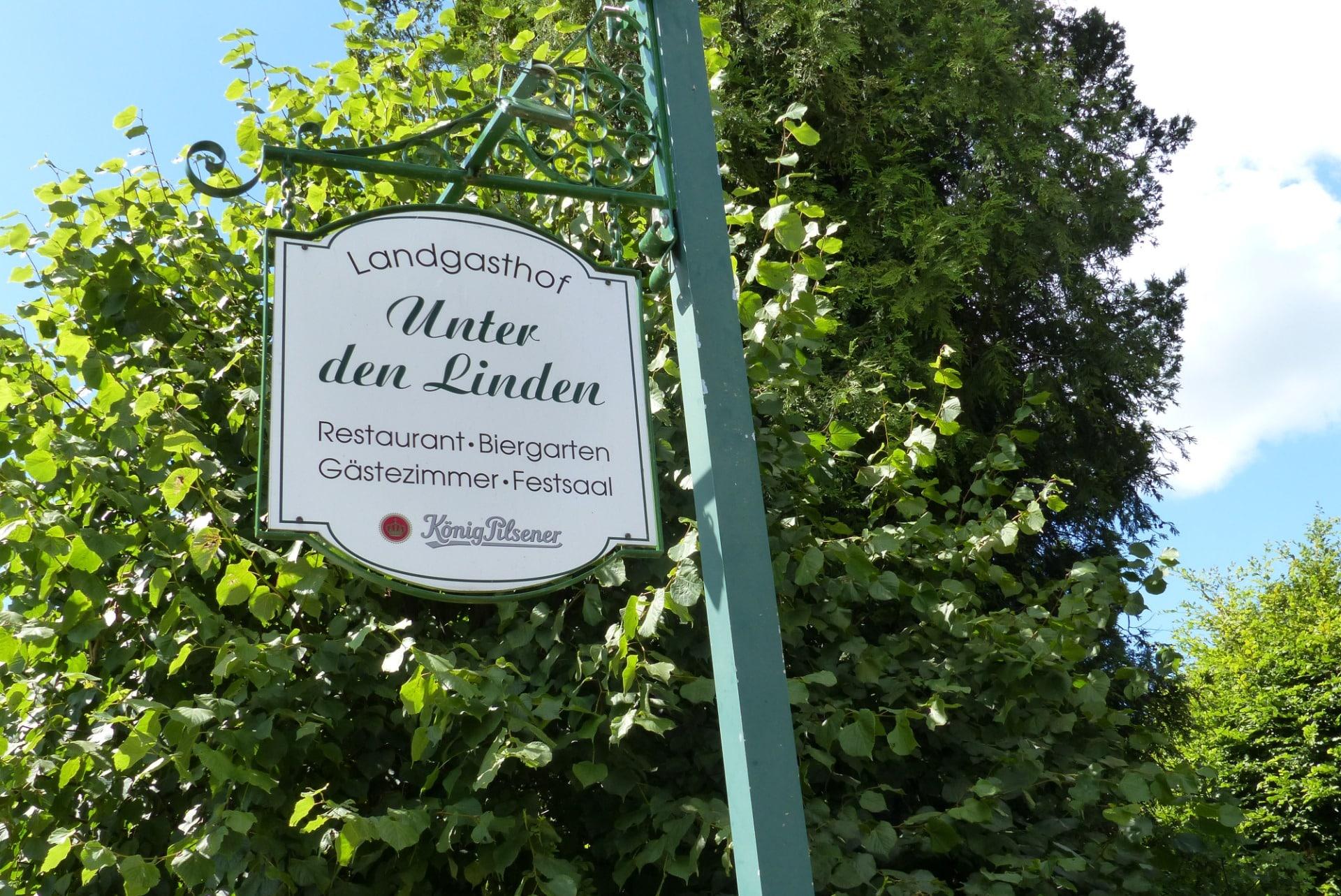 Landgasthof Unter den Linden im Ort Oelixdorf