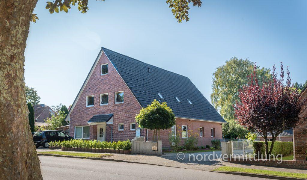 Angebot: Freistehendes Mehrfamilienhaus mit 4 vermieteten Einheiten in Itzehoe/Breitenburg zu verkaufen!