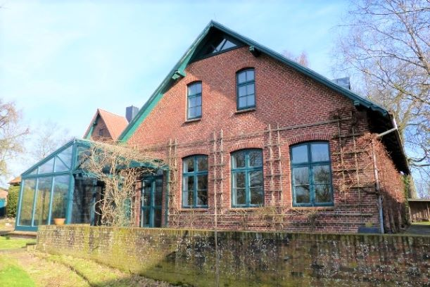 Freistehendes Einfamilienhaus (alte Schule) in Krumstedt zu verkaufen!